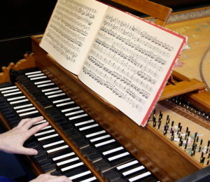 Hands on a harpsichord