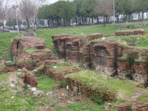 Exposed foundations of St. Polyeuktos, Saraçhane district, Istanbul (Image: Wikimedia Commons)